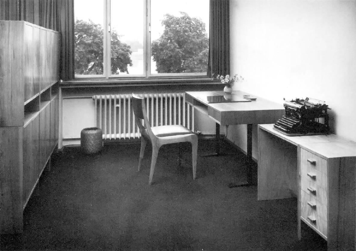 Johannes-Krahn-Sessel-front Hans Schwippert